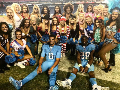 Tennessee Titans Cheerleaders -- Sexy Costumes & Pom-Poms ... It's Halloween! (PHOTO GALLERY)