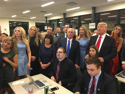 Donald Trump -- War Room Vibe ... Holy Crap!!! (PHOTOS)