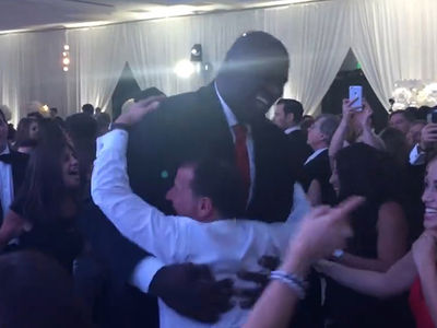 Shaq -- Crushes Wedding Horah ... Just Jewin' It, Baby! (VIDEO)
