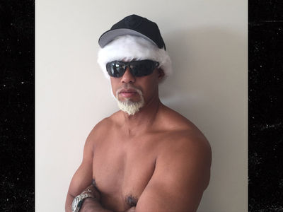 Tiger Woods Goes Topless ... Call Me Mac Daddy Santa! (PHOTO)