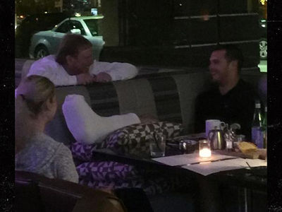 Derek Carr Recovers From Fibula Fracture With Mark Davis At His Side (PHOTO)