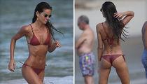 Izabel Goulart Shows Off Bikini Body (PHOTO GALLERY)