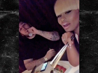 Blac Chyna and Rob Kardashian Back Together for New Year's Eve (VIDEO)