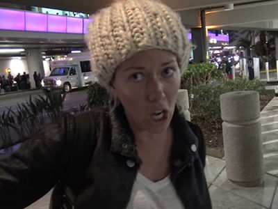 Kendra Wilkinson Drunk on Plane, Almost Fights Passenger (VIDEO)