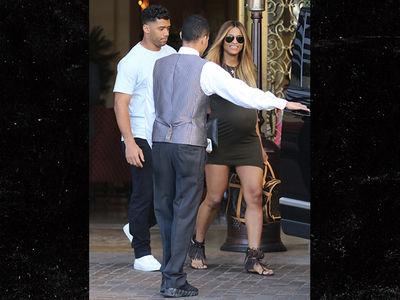 Ciara & Fetus Cheer Up Russell Wilson After Playoff Loss (PHOTO)