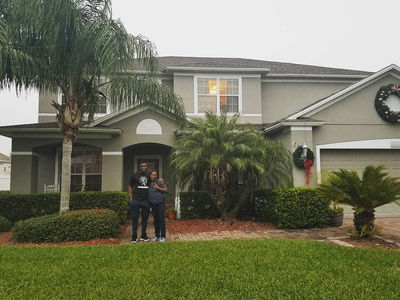 Oakland Raiders 1st Round Pick Buys House for Mom (PHOTO)