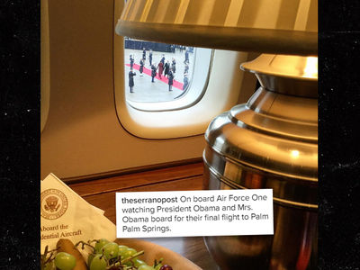 All Aboard for Obamas' Last Presidential-ish Flight (PHOTO)