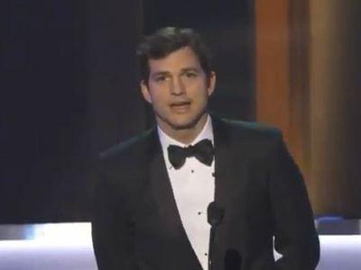Ashton Kutcher's SAG Award Opening Remarks About 'Muslim Ban'