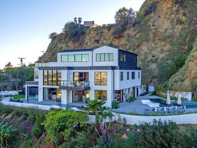 Demi Lovato's New $8.3 Mil Home Unsafe after Landslide (PHOTO)