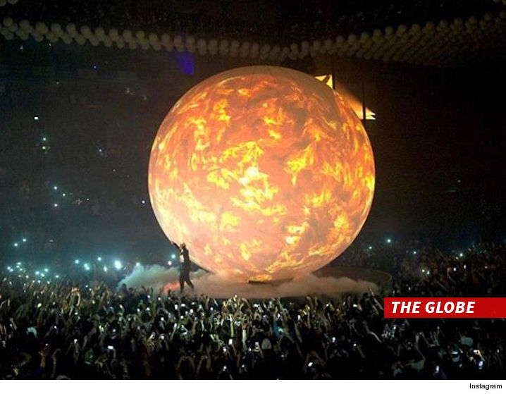 Travis Scott destroyed Drake's gigantic stage prop, but the crowd got a free concert out of it.