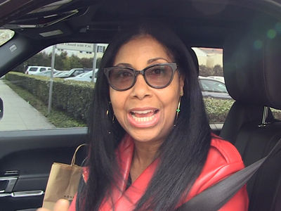 Magic Johnson's Wife Stoked Over Lakers Gig ... 'He Can Turn It Around!' (VIDEO)