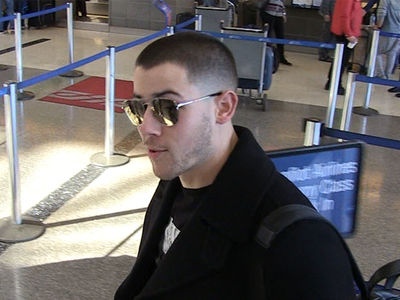 Nick Jonas Uses Bowling to Impress the Ladies (360 VIDEO)