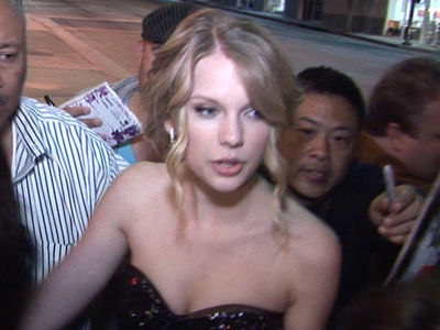 Taylor Swift Obsessed Fan Busted, Hangin' On Roof, Buzzin' the Bell