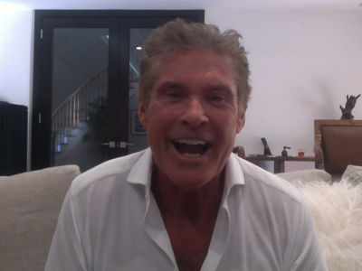 David Hasselhoff Gives German Props to Dirk Nowitzki ... Let's Duet Together! (VIDEO)
