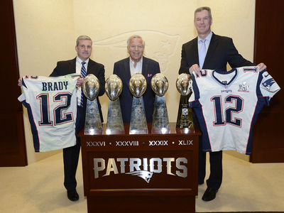Tom Brady Jerseys Returned to Robert Kraft By FBI (PHOTO)