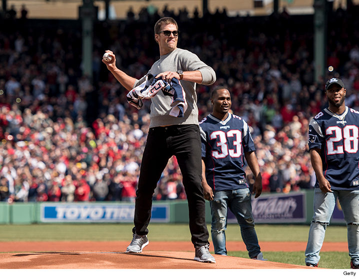 tom brady 39 s casual baseball outfit actually cost a fortune photos. Black Bedroom Furniture Sets. Home Design Ideas