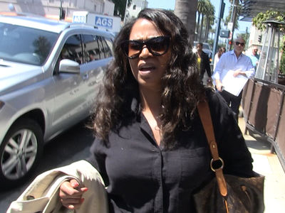 Nia Long Loves Taraji P. Henson but HATES This Meter Man! (VIDEO)