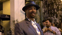 Damon Wayans' Favorite Charlie Murphy Memory Was a Kiss on the Neck (VIDEO)