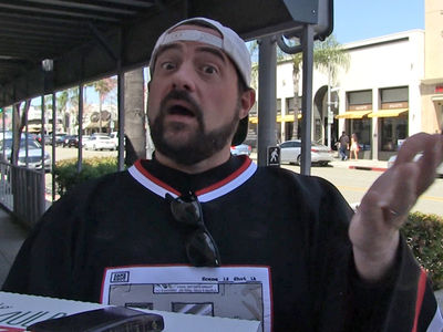 Kevin Smith on 'Last Jedi' Trailer, Oscar Time for Mark Hamill? (VIDEO)