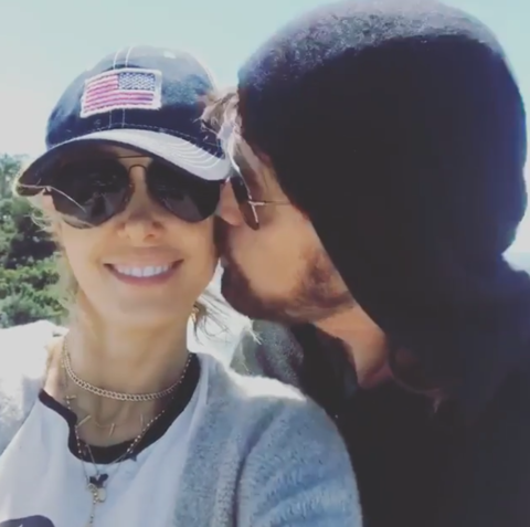 Tish Cyrus posted a cute pic with Billy Ray on Easter morning.