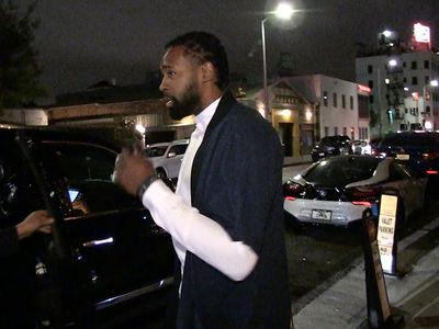 DeAndre Jordan Hits Nightclub After Huge Playoff Win (VIDEO)