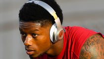 Joe Mixon Meets 1-On-1 With Punch Victim, Strikes Settlement In Lawsuit