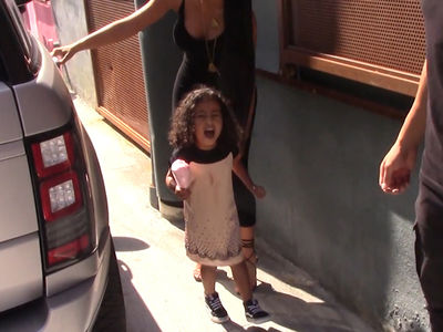 Kim Kardashian & North West, This Kid Ain't Staying in the Picture (VIDEO)