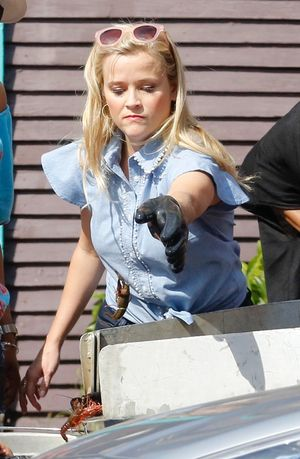 Reese Witherspoon Sucks Down Crawfish in New Orleans