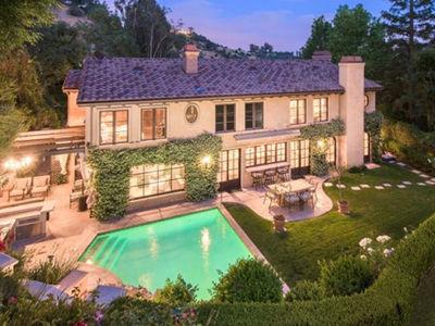 Kim Kardashian's Starter Home With Kris Humphries For Sale (PHOTO GALLERY)