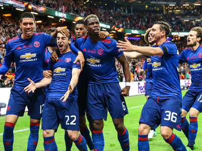 Manchester United Dedicates Victory To Victims After Winning Europa League