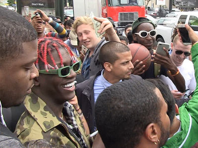 Lil Yachty Gets Mobbed Before Starting INSANE Food Fight!!! (VIDEOS)