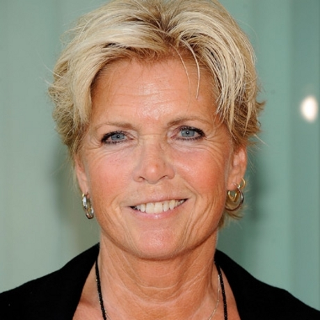 Meredith Baxter was spotted out looking like a breath of fresh air!
