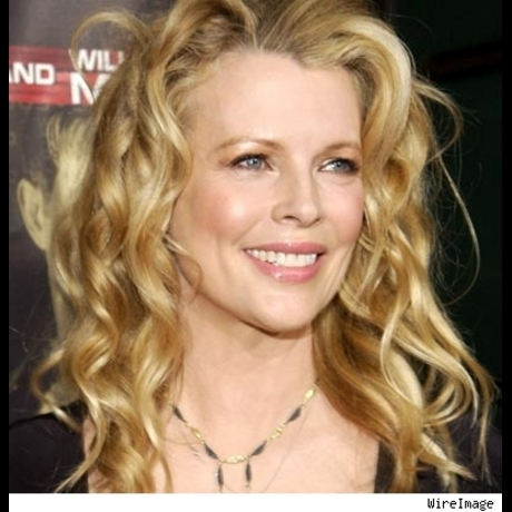 "Kim Basinger on the red carpet for the New Line Cinema premiere of ""Cellular"" in Los Angeles, Ca.  September 9, 2004."
