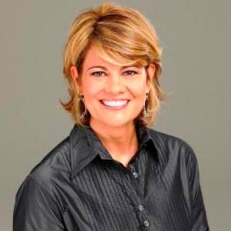 Lisa Whelchel looks snazzy in her new head shot.