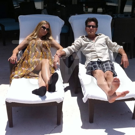 Charlie Sheen & Brooke Mueller in Mexico