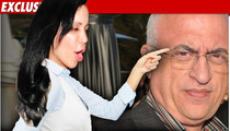 Octomom RIPS Doc: He's a Danger to Humanity!