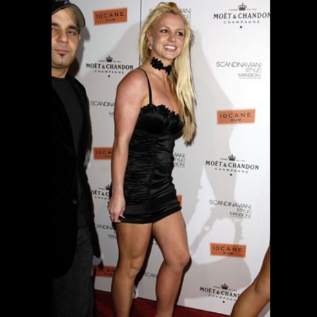Britney Spears should not be allowed to walk the streets alone.
