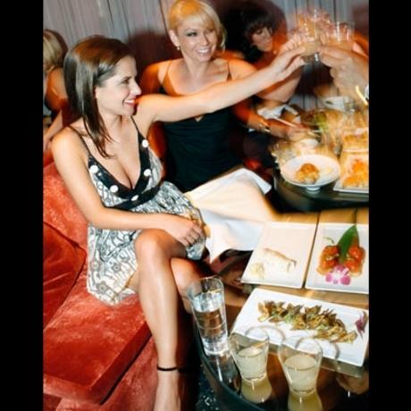 Kelly parties in Packham dress