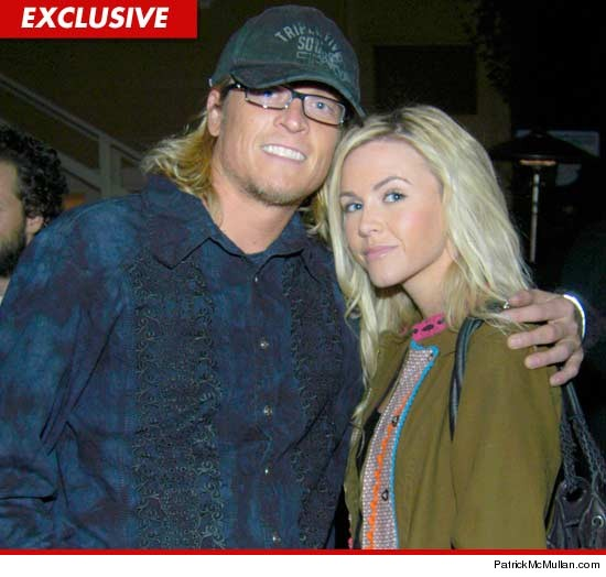 00bc5e310edf65 Puddle of Mudd Singer s Wife -- Screw the Damn Prenup ... I Want His ...
