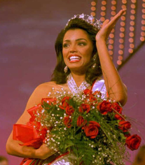 Miss USA (Texas) 1995 Chelsi Smith