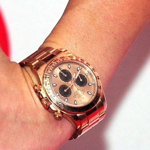 Guess whose watch says 7:41?