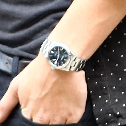 Guess whose watch says 2:40?