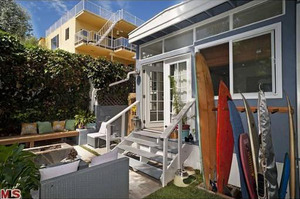 Sam Ronson's Beachin' Crib