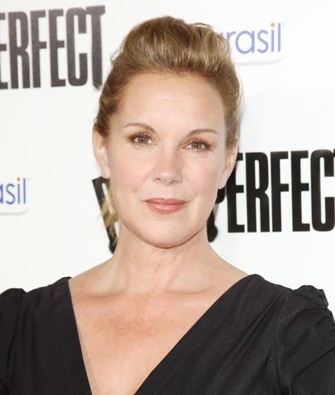 Elizabeth Perkins showed up at a recent red carpet event!