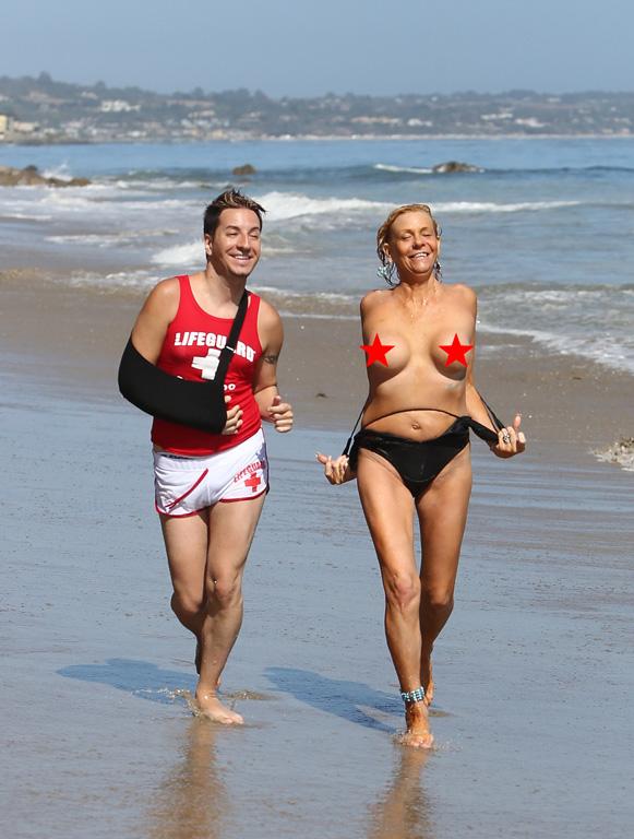 Hard sex in the beach