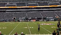 New York Jets Santonio Holmes -- Back on the Field After Injury!! Hands Still M.I.A.