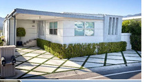 'Saw' Star Betsy Russell -- You'd Cut Off Your Arm To Buy THIS Mobile Home