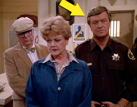 "Ron Masak is best known for playing Cabot Cove's trusty Sheriff Mort Metzger -- opposite Angela Lansbury -- in the late '80s early '90s murder mystery show ""Murder, She Wrote."""