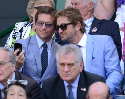 Bradley Cooper and Gerard Butler get the award for studs selfie of the year!