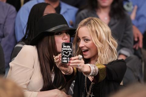 Khlow Kardashian and Nicole Richie had silly expressions for their selfie!